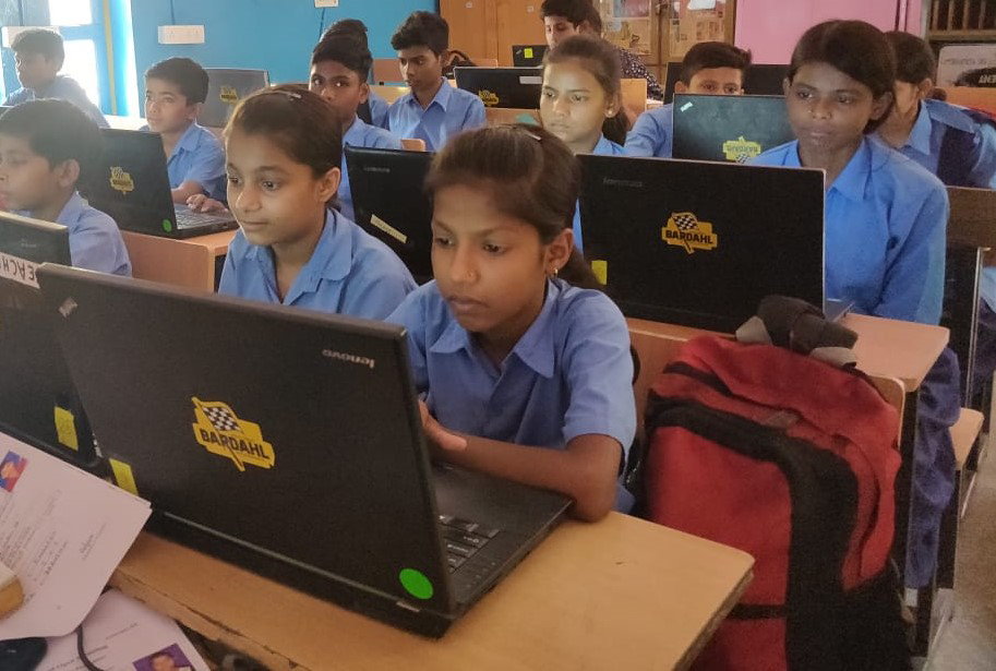 Elvi Bardahl supports Computer Shiksha classes by providing laptops to under privileged children at Sankalp Welfare Society, Gurgaon.